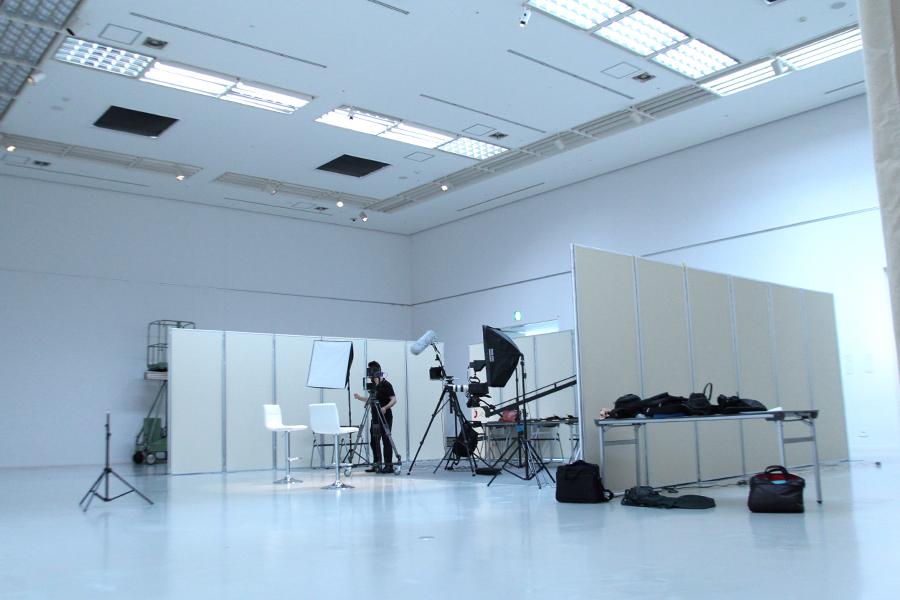 スタジオ撮影が完了しました。